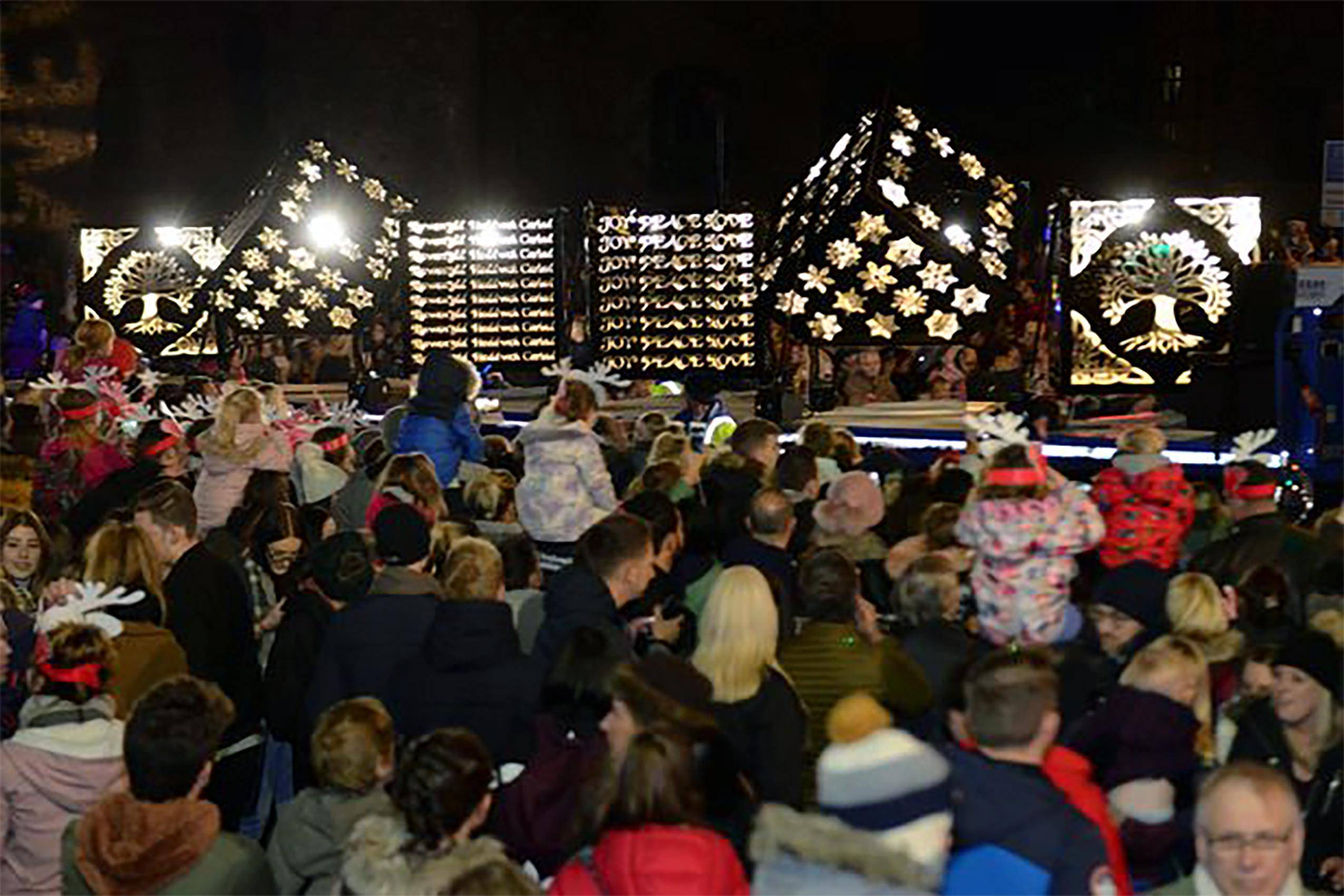 Swansea Christmas Carnival - Light Up Parade Cubes